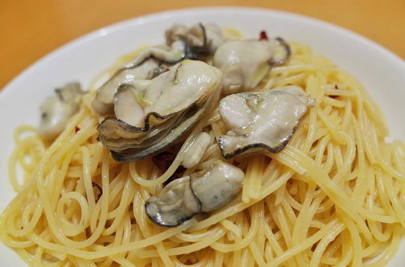 【週末パスタ】牡蠣のペペロンチーノ