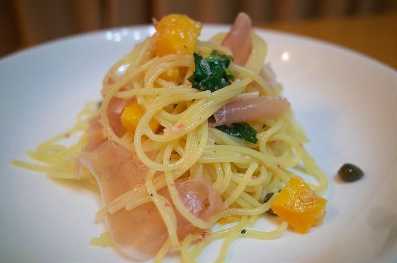 【週末パスタ】生ハムとマンゴーの冷製パスタ